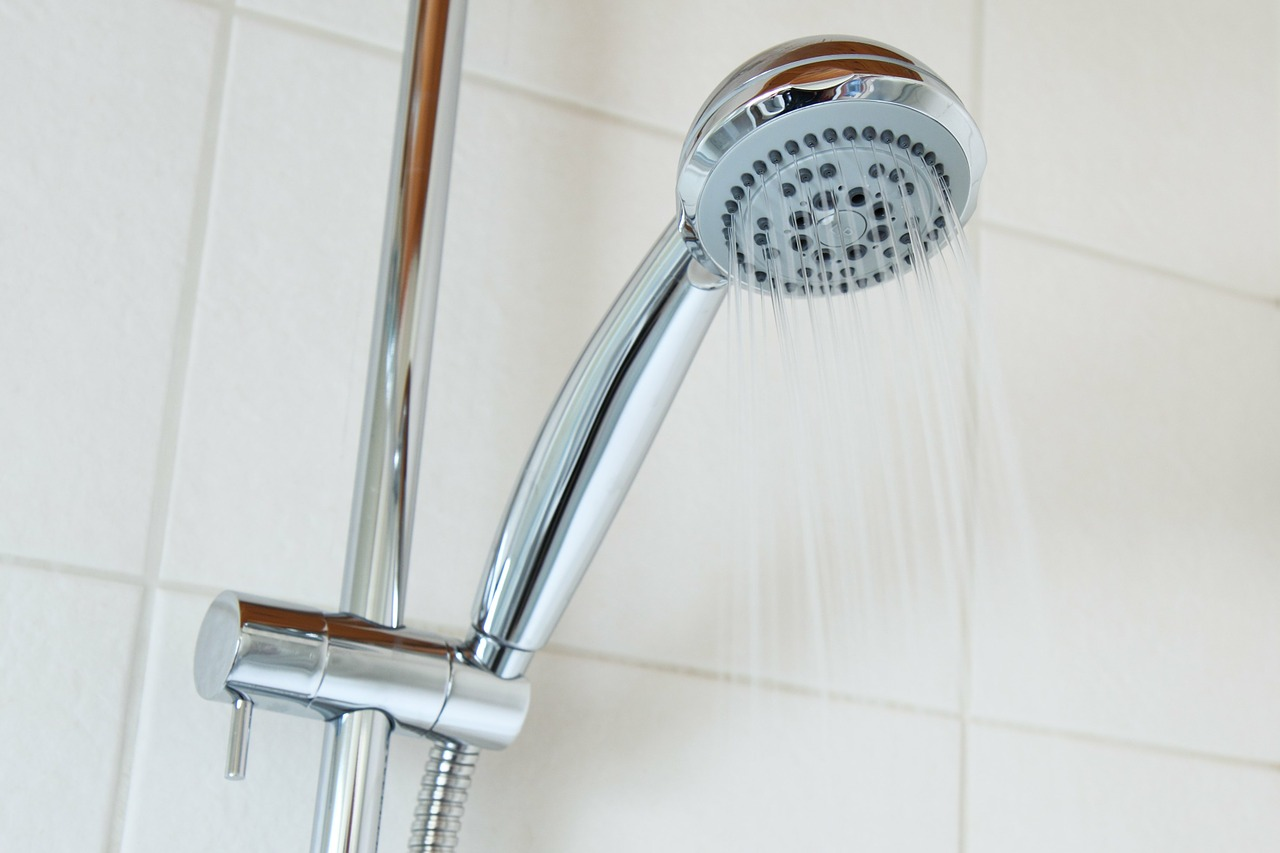 Comment nettoyer facilement votre pomme de douche